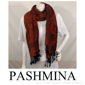 Pashmina Scarf in Floral & Paisley Print w/ Fringe